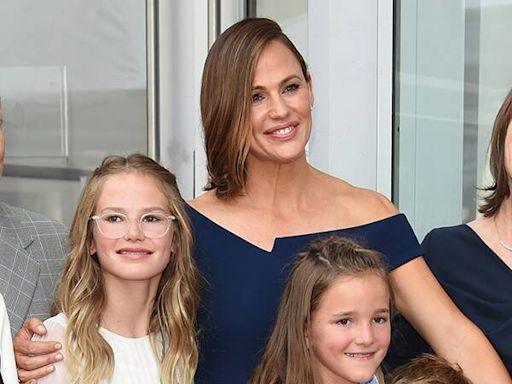 Jennifer Garner Details the Paparazzi's Painful Impact on Her Family Life