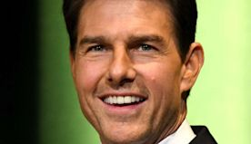 Tom Cruise pays for co-star's flight lessons, pilot's license