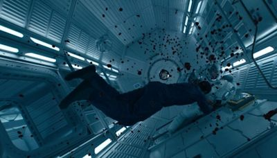 How 'The Midnight Sky' Visual Effects Team Pulled Together That Bloody Space Scene