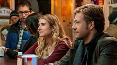 'Holidate' review: When 'plus one' adds up to a D-minus