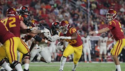 Photos: USC loses to Oregon State at Coliseum