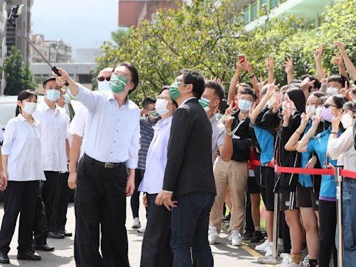打造國手搖籃 蔡英文:促成青少年羽球訓練中心在基中