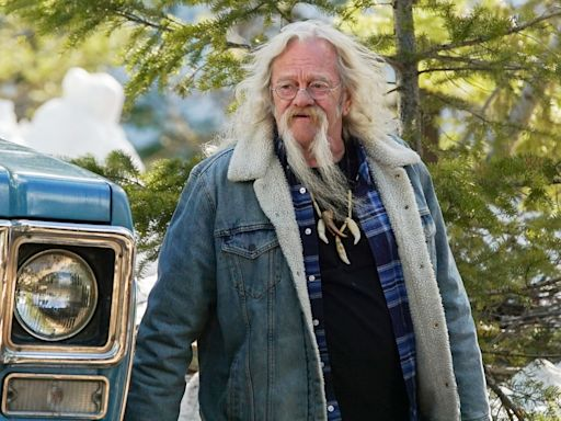 Billy Brown's Best Alaskan Bush People Moments, from Fatherly Advice to Bringing Home a New Puppy