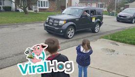 Social Distancing Party Parade || ViralHog