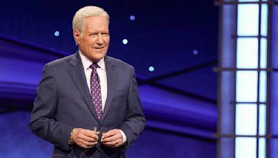 Alex Trebek hilariously reads lyrics to Lizzo's 'Truth Hurts' on 'Jeopardy'