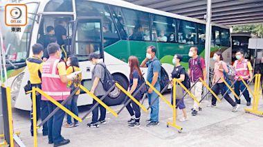 系統測試 西鐵線屯馬線一期遲開頭班車 巴士迷嘆接駁巴車程長不方便 - 東方日報