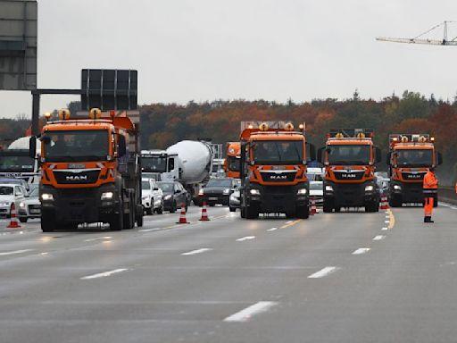 Climate activists abseil from bridges, halt Frankfurt rush-hour traffic