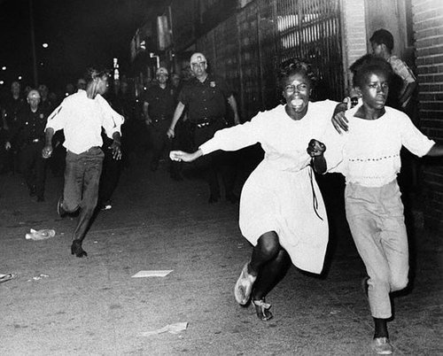 1965 Watts riots photo gallery