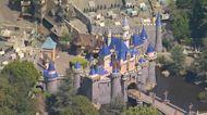 Disneyland, Disney World will require guests to wear masks indoors