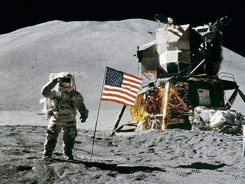 打破拍賣紀錄的太空科學和科幻紀念品背後的故事