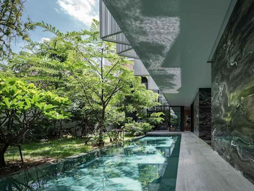 運用翠綠植物及現代元素,打造曼谷一處隱私度極高的靜諡天地