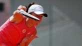 Tennis-Defending champion Swiatek crashes out of French Open in quarter-finals