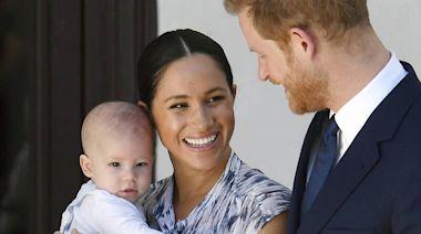 哈利梅根愛子亞契2歲了! 英王室送生日祝福