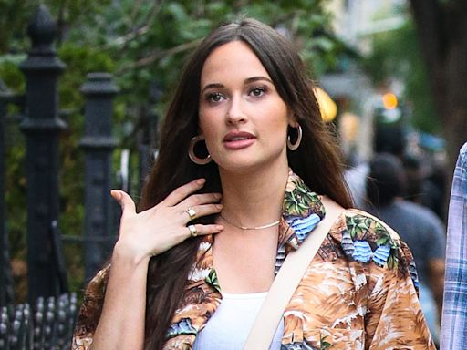Kacey Musgraves Goes on Date Night in a Crop Top, Cutoff Shorts & See-Through Sandals on Cork Heels