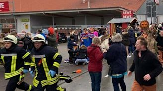 Germany car attack: Vehicle drives into crowd during Volkmarsen carnival parade