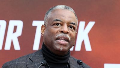 LeVar Burton calls out journalist over 'Jeopardy!' comments on Twitter