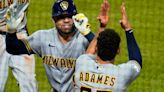 Piña hits 2 HRs, drives in 5 runs as Brewers sweep Pirates