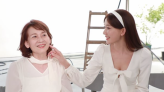 林志玲深V與母同框拍廣告 吳慈美甩病容展現神基因