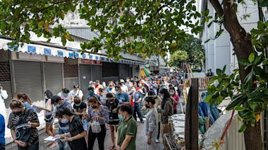 曼谷疫情慘 居家隔離近10萬人 快篩試劑結果20%呈陽性
