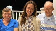 Jennifer Garner Celebrates Her Mom & Dad And Ben Affleck's Parents For Grandparents Day