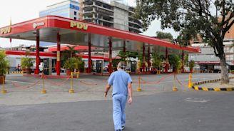 Venezuela petrol crisis worsens as US orders supply cuts
