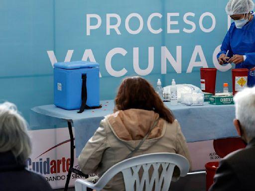 Antes de finalizar el año, el 90% de la población de Bogotá estaría vacunada, aseguró Claudia López