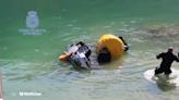 Hallan el cuerpo de un hombre dentro de su coche sumergido a 20 metros de profundidad en Granada
