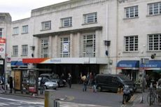 Richmond station (London)