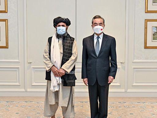王毅再晤塔利班高層巴拉達爾 指阿富汗人道困難 促西方解制裁 | 立場報道 | 立場新聞