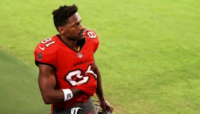 Buccaneers Make Official Decision On WR Antonio Brown
