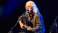 Arlo Guthrie Urges Support for Pete Seeger's Clearwater