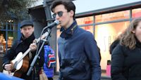 """Busker sings Ed Sheeran's """"Perfect"""" until young man steals show singing in Italian"""