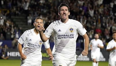 Sacha Kljestan makes another oversized contribution in Galaxy's draw with FC Dallas