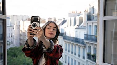 【電影LOL】Emily in Paris 第2季全員巴黎準備開工 女主角情歸何處?