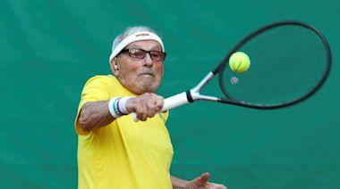 全球最高齡!97歲網球阿公「超狂鍛練」拚世錦賽 目標挑戰費德勒