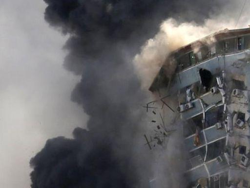 以巴衝突|記者形容大樓被炸後痛失家園及一切回憶 業主曾求多等10分鐘讓傳媒取回採訪器材不果 | 蘋果日報