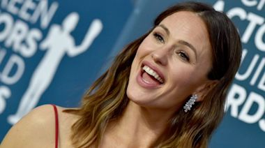 Jennifer Garner Glows In No-Makeup Instagram Story With Subtle, But Important Message