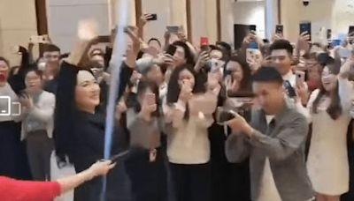 孟晚舟「回華為上班」18秒片瘋傳:員工歡呼迎接 曝光時間有內涵