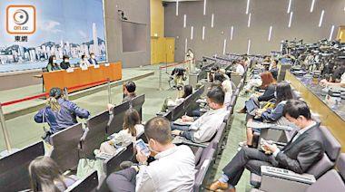 東方民調:政府無吸取教訓 抗疫慢九拍 專家促揪傳播鏈防變種爆發 - 東方日報