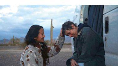 華裔女導演趙婷作品《浪跡天涯》 奪英國電影學院4大獎