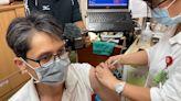 屏東疫苗接種排到6月下旬 診所醫師「有拜有保庇」不等莫德納了 | 蘋果新聞網 | 蘋果日報