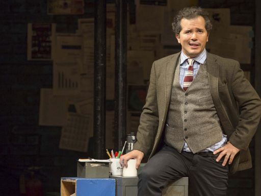 Actor John Leguizamo compares Latino support for Trump to 'roaches for Raid'