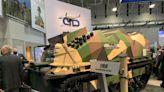神風特攻未來版,無人裝甲車搭載 50 架自殺無人機