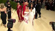 AOC wears 'tax the rich' dress to Met Gala