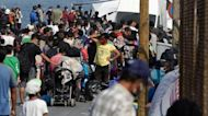 Greece: Thousands moved to new refugee camp