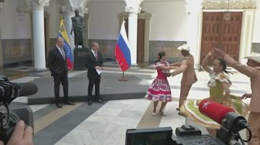 Lavrov calls for dialogue in Venezuela