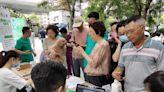 腸癌篩查走進社區,康立明生物攜手長海醫院為居民進行健康義診