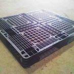 二手棧板/塑膠棧板/中古棧板   尺寸: 1 0 9 x 92 cm 特性: 倉儲 裝櫃 上下貨 等等 極耐用