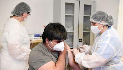 【新冠疫苗】美FDA擴大加強劑接種對象 支持「溝針」 - 香港經濟日報 - 即時新聞頻道 - 國際形勢 - 環球社會熱點