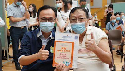 石籬會堂260人即場打疫苗 聶德權指研設流動車